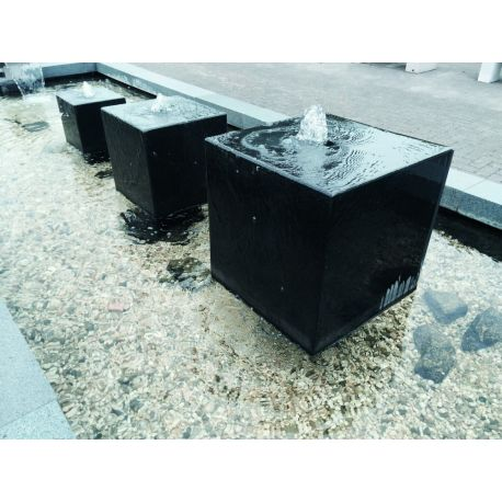 Granit-Würfel schwarz, poliert, gebohrt (ø 50mm), L 30 x B 30 x H 30 cm
