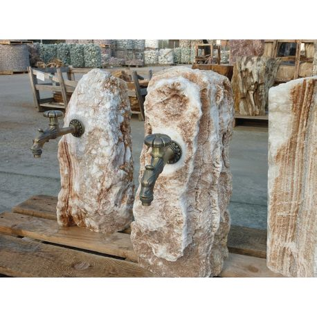 Travertin Versorgungssäule inklusive antike Auslaufhahn, H ca. 50 - 70 cm