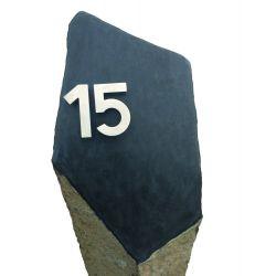 Basalt-Säule, Garda, teilpoliert, H 100 cm, ca. 160 kg, mit Hausnummer XX