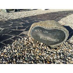 Granit Findling Willkommen, ø 55 - 70 cm