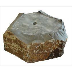 Basalt Quellstein