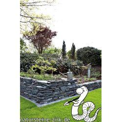 Schiefer schwarz Mauersteine teilweise gespalten ca. 15-40 Pal. 750 kg