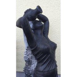 Steinfigur Skulptur Wasserspiel Black Beauty Tine