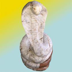 Naturstein Cobra aus einem Ozean Findling 332