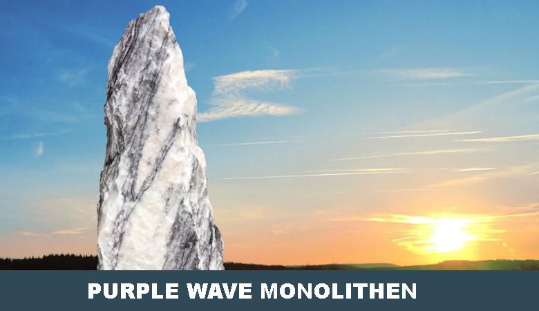 Purple Wave Findling Monolith